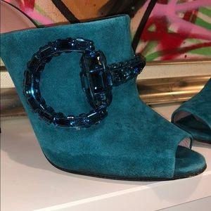 Gucci mules!
